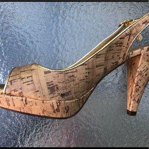 👠 NWOT Faux Cork Peep Toe Small Platform Heel